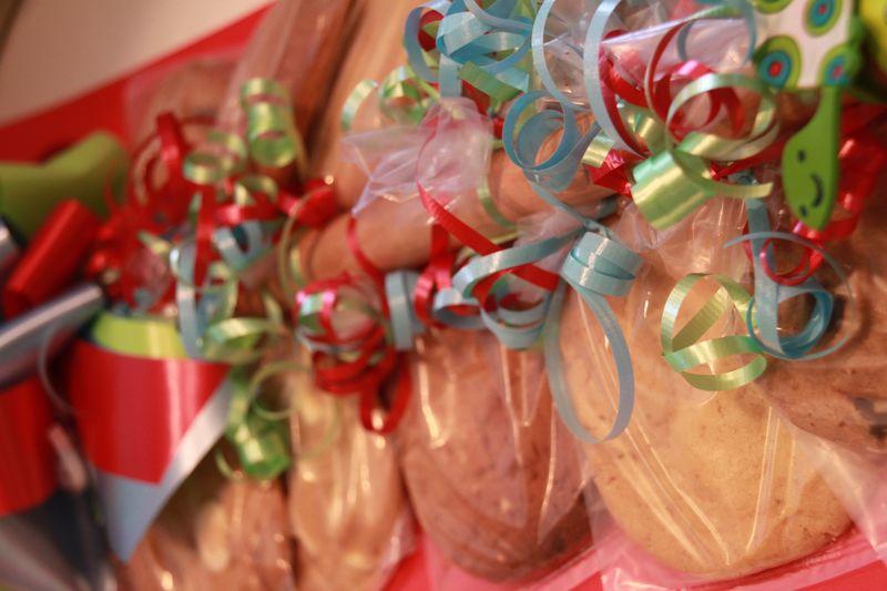 Cookies tied